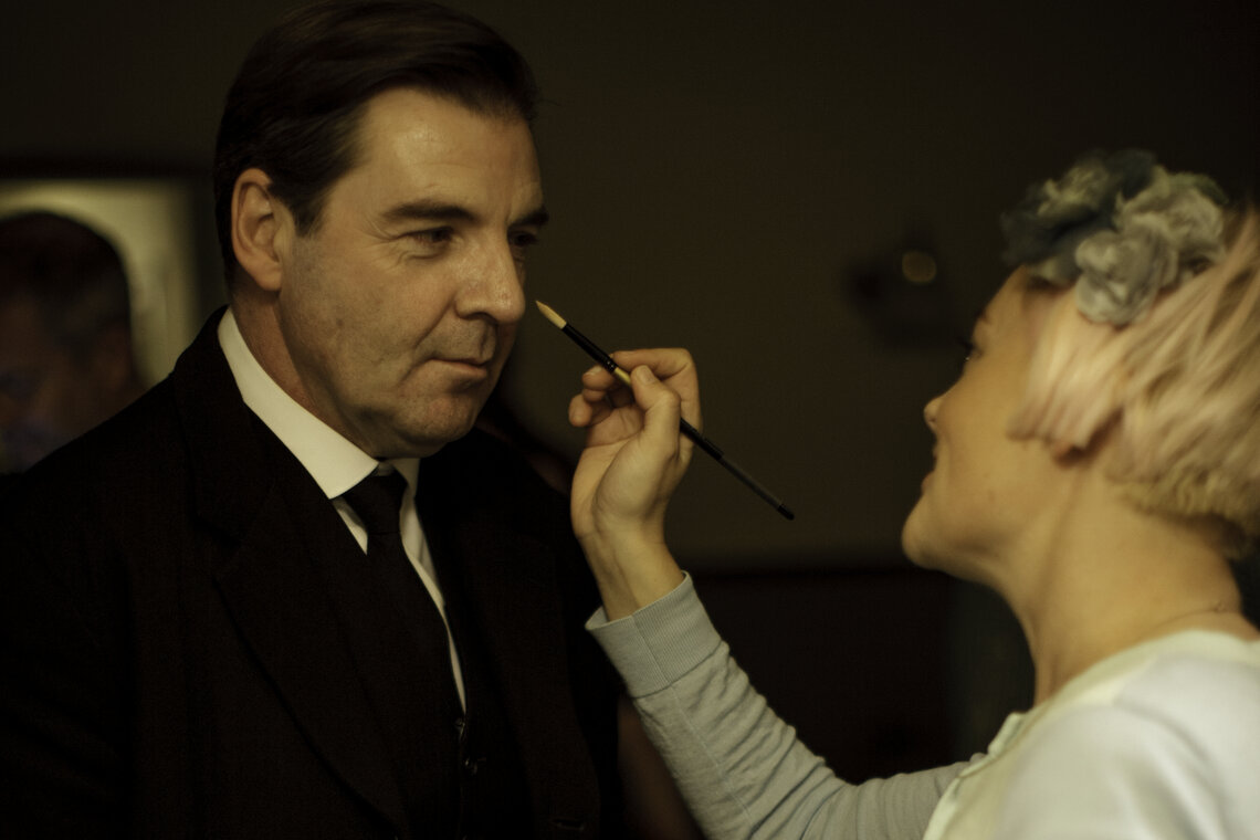 Downton Abbey on set photograph make-up behind the scenes